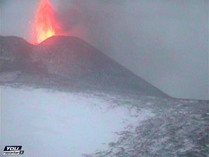 Etna in eruzione. Fonte youreporter.it