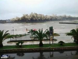 Forte mareggiata a Cirò Marina(KR), Calabria. Fonte youreporter.it